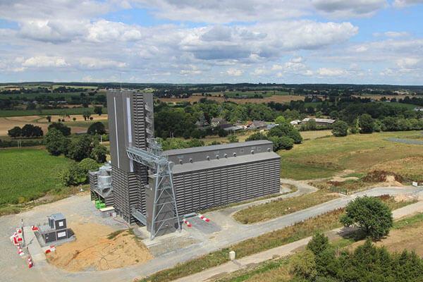 silo de collecte de céréales biologiques à Châteaubourg