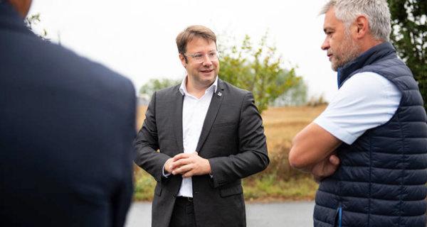 Le Président de la région Bretagne Loïg Chesnais-Girard en visite à la Coopérative Le Gouessant